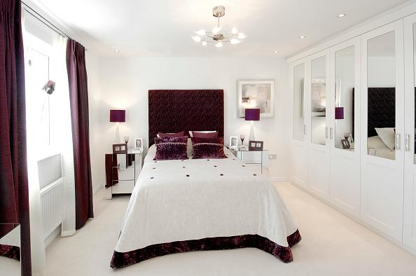 Bedroom「Luxury modern bedroom in new build house」:写真・画像(14)[壁紙.com]