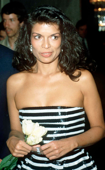 Strapless「Bianca Jagger」:写真・画像(10)[壁紙.com]