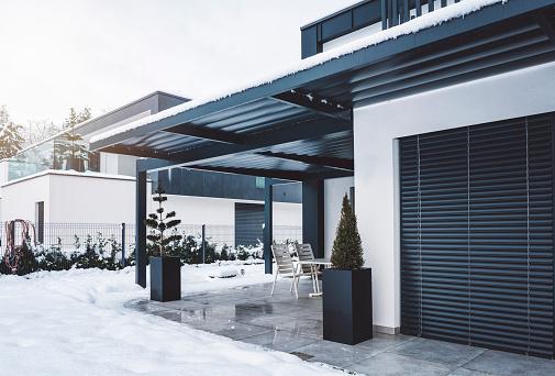 Deck Chair「Modern villa in winter time」:スマホ壁紙(19)
