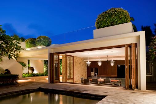 Bungalow「Modern Villa With A Pool」:スマホ壁紙(14)