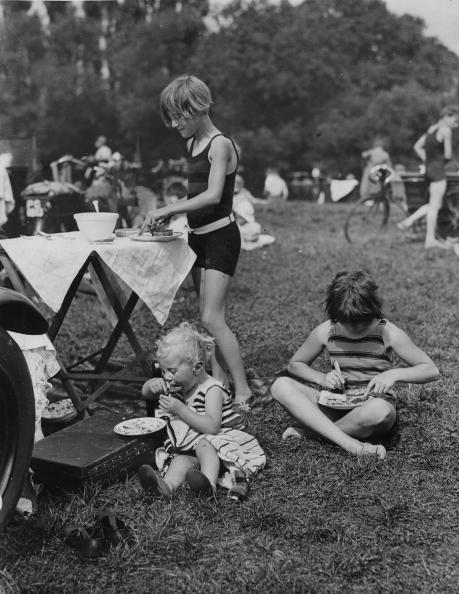 Recreational Pursuit「Child Picnic」:写真・画像(6)[壁紙.com]