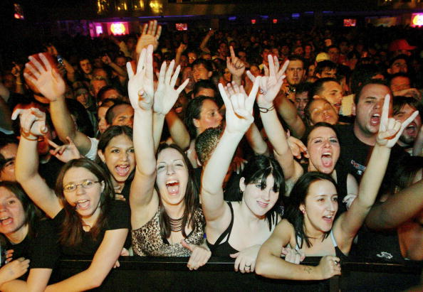 Crowd of People「Papa Roach And Alien Ant Farm In Concert」:写真・画像(8)[壁紙.com]