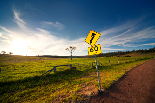Queensland「Curved Road Ahead」:スマホ壁紙(6)