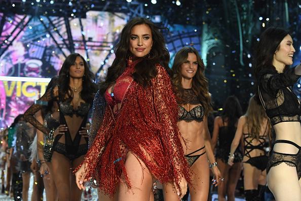 Victoria's Secret「2016 Victoria's Secret Fashion Show in Paris - Show」:写真・画像(7)[壁紙.com]