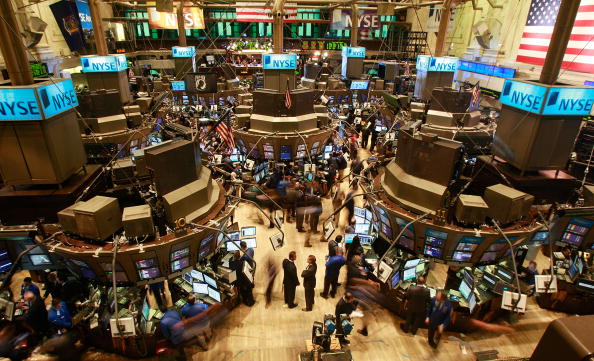 Flooring「Markets Open After Dropping Below 8,000 In Previous Session」:写真・画像(5)[壁紙.com]