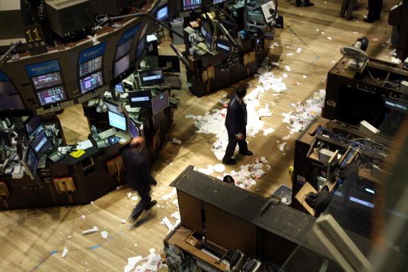 Financial Figures「Markets Plunge After House Rejects $700 Billion Financial Bailout Plan」:写真・画像(15)[壁紙.com]