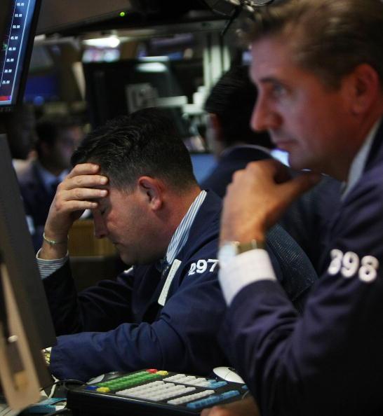 Crisis「Stock Market Continues To Tumble Despite AIG Bailout, Lehman Sale」:写真・画像(5)[壁紙.com]