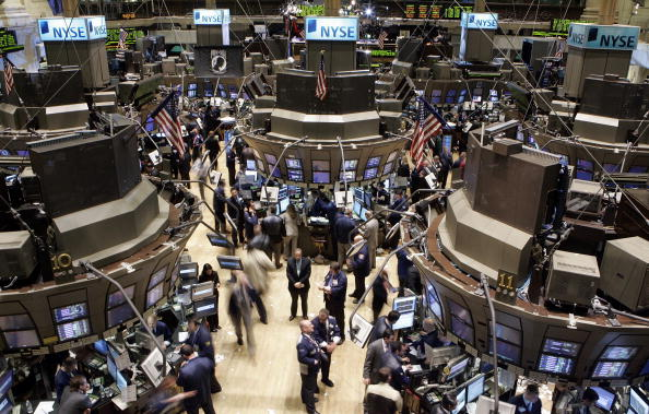 Flooring「Wall Street Tumbles After Chinese Stocks Plunge 9 Percent」:写真・画像(8)[壁紙.com]