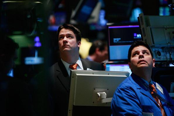 Crisis「Wall Street Takes A Dive On Negative Economic Reports」:写真・画像(5)[壁紙.com]