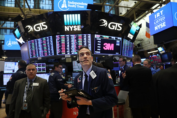 Working「U.S. Stocks Continue Week Of Extreme Volatility, With Steep Drop Over A 1,000 Points」:写真・画像(15)[壁紙.com]