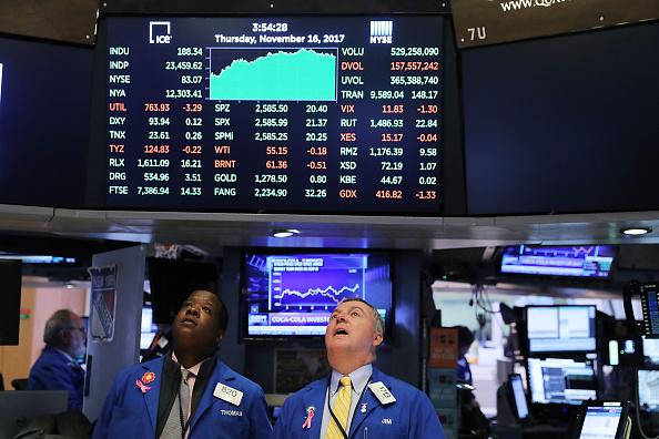 Making Money「Share Prices Of Consumer Companies Pushes Dow Jones Industrials Average Sharply Higher」:写真・画像(1)[壁紙.com]