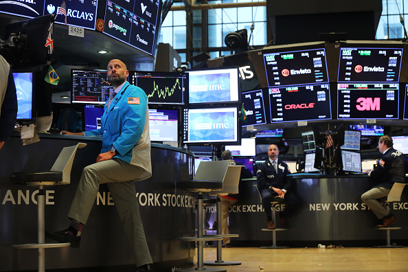 New York Stock Exchange「Stock Markets React To Federal Reserve Announcement On Interest Rates」:写真・画像(13)[壁紙.com]