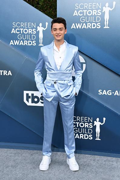 Noah Schnapp「26th Annual Screen ActorsGuild Awards - Arrivals」:写真・画像(8)[壁紙.com]