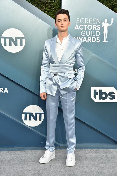 Noah Schnapp「26th Annual Screen ActorsGuild Awards - Arrivals」:写真・画像(16)[壁紙.com]