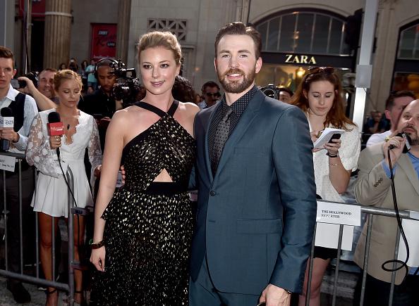 "Emily VanCamp「Premiere Of Marvel's ""Captain America: Civil War"" - Red Carpet」:写真・画像(9)[壁紙.com]"