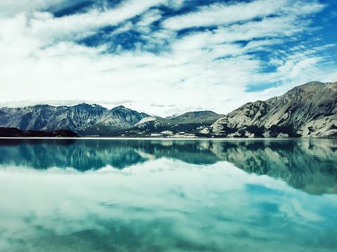 クルエーン山脈「クルアン湖,ユーコン,カナダ」:スマホ壁紙(4)