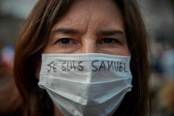 Paris - France「Anti-Terrorism Vigil Held For Beheaded Teacher」:写真・画像(9)[壁紙.com]