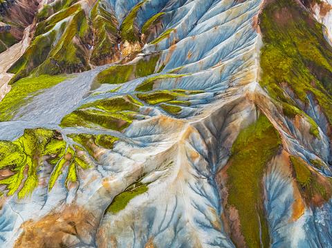 Lava Plain「Aerial-Jokulgilskvisl River and Mountain Peaks, Landmannalaugar, Central Highlands, Iceland」:スマホ壁紙(17)