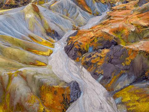 Lava Plain「Aerial-Jokulgilskvisl River and Mountain Peaks, Landmannalaugar, Central Highlands, Iceland」:スマホ壁紙(12)