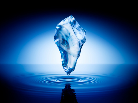 Mystery「Ice cube floating in the air over water surface」:スマホ壁紙(4)