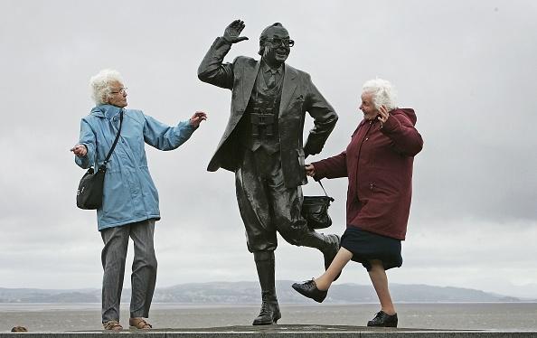 Dancing「Scientist Identifies Happiest Day of Year」:写真・画像(4)[壁紙.com]