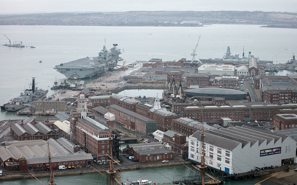 Matt Cardy「Royal Navy Ships Docked At Portsmouth Dockyard」:写真・画像(1)[壁紙.com]