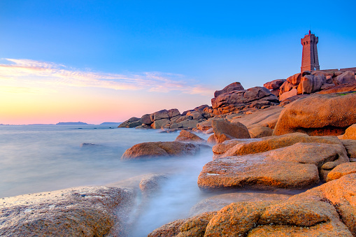 Rocky Coastline「Ploumanach lighthouse at the pink granite coast in Brittany, France during sunset」:スマホ壁紙(16)