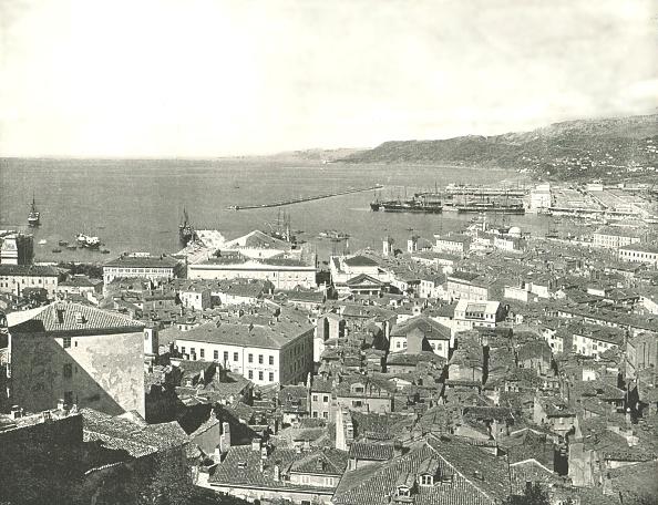 Mediterranean Sea「Town And Harbour」:写真・画像(9)[壁紙.com]
