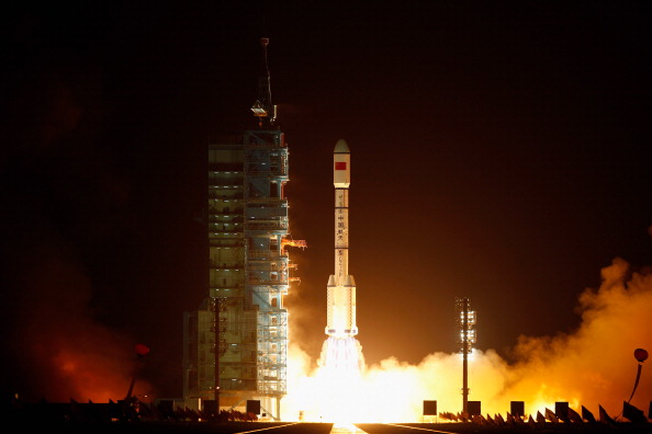 Outer Space「China Launches Its First Space Laboratory Module Tiangong-1」:写真・画像(12)[壁紙.com]