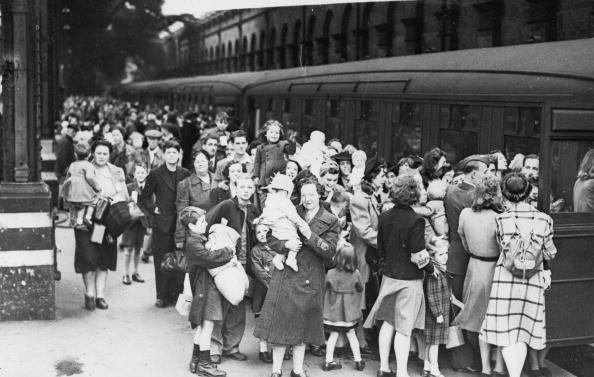 Railroad Station「Evacuation Special」:写真・画像(10)[壁紙.com]