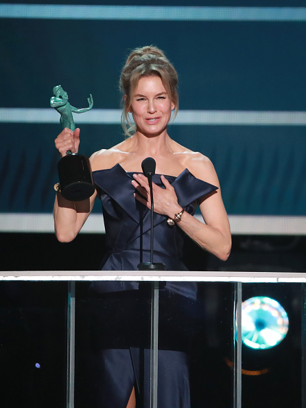 Receiving「26th Annual Screen ActorsGuild Awards - Show」:写真・画像(5)[壁紙.com]