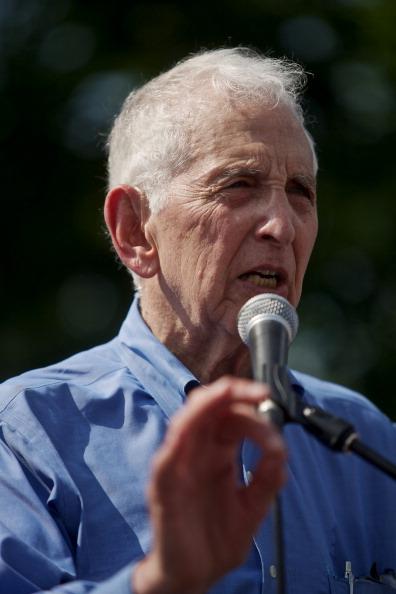 Daniel Gi「Rally Held In Support Of Bradley Manning」:写真・画像(11)[壁紙.com]