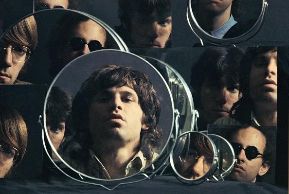 Looking「Doors In The Mirror」:写真・画像(2)[壁紙.com]