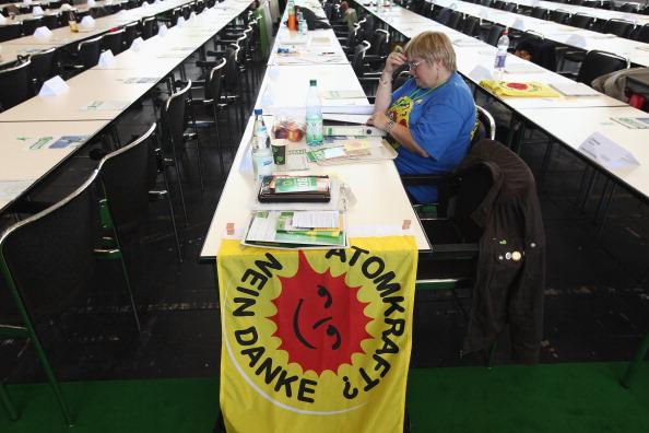 Topics「Greens Party Meets At Cross Road Over Nuclear Energy」:写真・画像(1)[壁紙.com]