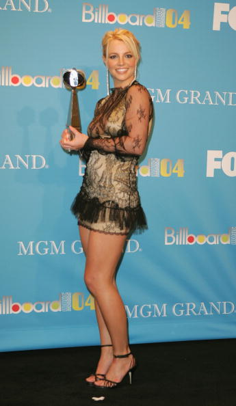 Singer「2004 Billboard Music Awards - Press Room」:写真・画像(11)[壁紙.com]