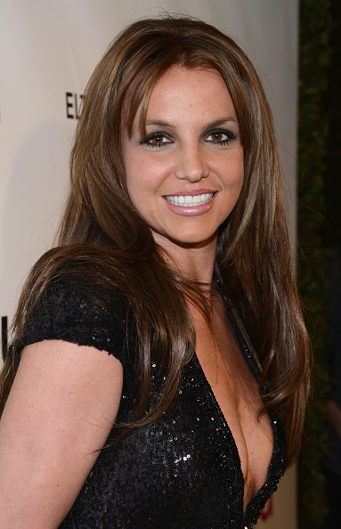 Brown Hair「21st Annual Elton John AIDS Foundation Academy Awards Viewing Party - Red Carpet」:写真・画像(19)[壁紙.com]