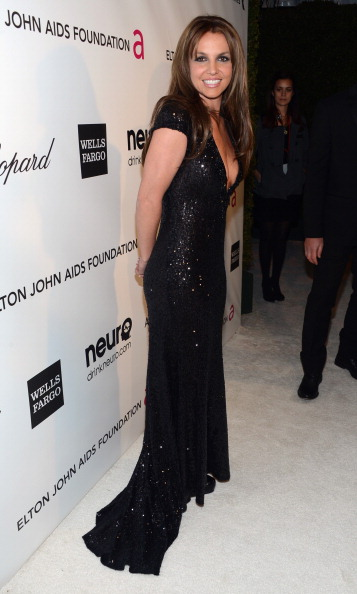 Brown Hair「21st Annual Elton John AIDS Foundation Academy Awards Viewing Party - Red Carpet」:写真・画像(18)[壁紙.com]