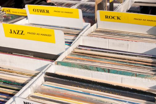 Rock Music「Vinyl record albums for sale」:スマホ壁紙(8)