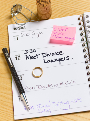 Adhesive Note「Appointment for divorce lawyers in diary」:スマホ壁紙(9)
