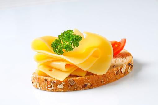Edam Cheese「bread with cheese」:スマホ壁紙(13)