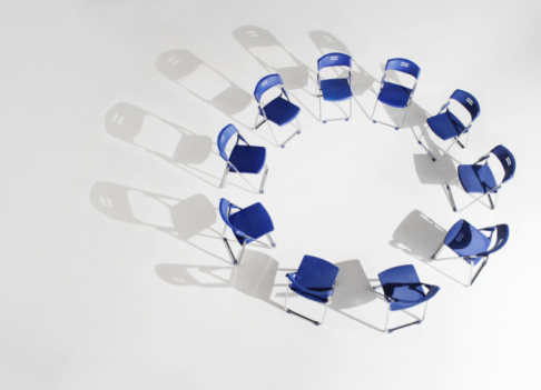 Unity「Folding chairs placed in circle, elevated view」:スマホ壁紙(19)