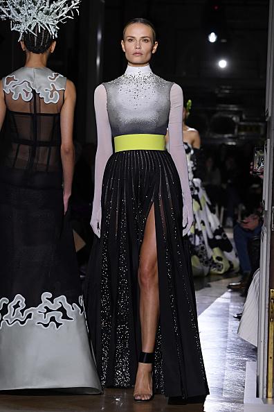Belt「Valentino : Runway - Paris Fashion Week - Haute Couture Spring/Summer 2020」:写真・画像(12)[壁紙.com]