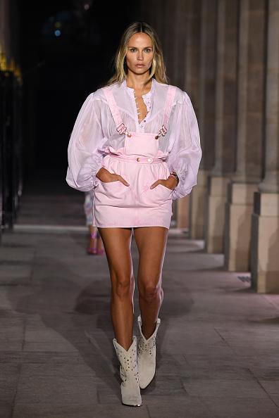 ランウェイ・ステージ「Isabel Marant : Runway - Paris Fashion Week - Womenswear Spring Summer 2021」:写真・画像(7)[壁紙.com]