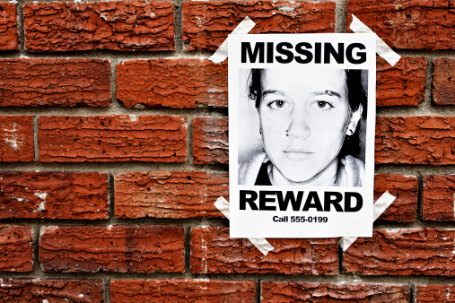 """Teenager「""""Missing"""" poster of teenage girl taped to red brick wall」:スマホ壁紙(18)"""