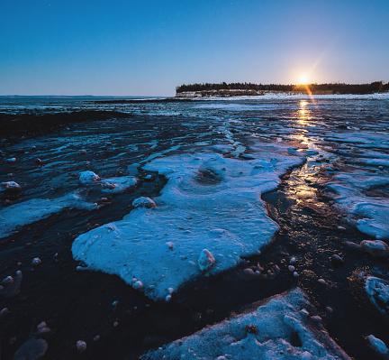 Pack Ice「Winter Moon」:スマホ壁紙(2)