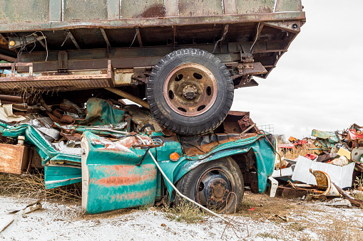 Moose Jaw「Demolished vehicles at a municipal salvage yard」:スマホ壁紙(0)