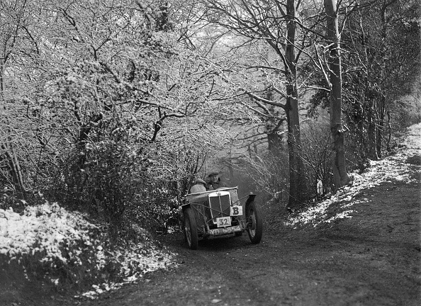Recreational Pursuit「1933 MG J2 taking part in a motoring trial, late 1930s」:写真・画像(16)[壁紙.com]