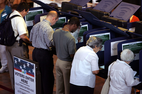 Machinery「Floridians Go To The Polls For Early Voting」:写真・画像(1)[壁紙.com]