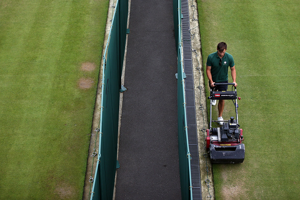 Carl Court「Wimbledon Tennis Championship - Day Eight」:写真・画像(8)[壁紙.com]
