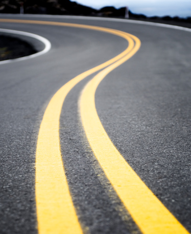 The Way Forward「Winding Yellow Road Line」:スマホ壁紙(16)
